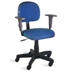 Cadeira secretaria com braço regulavel em tecido