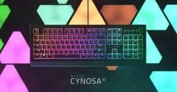 Teclado Gamer Razer Cynosa V2 - US preto RGB
