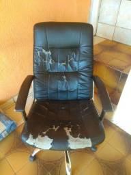 Título do anúncio: Cadeira Presidente Giratória
