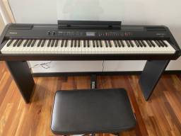 Piano Roland PF 7F