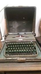 """máquina de escrever..relíquia origínal. """"HALDA"""""""