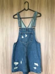 Jardineira jeans tamanho 36
