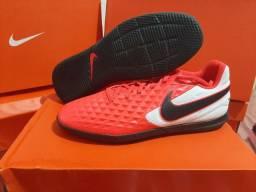 Chuteira Nike fut sal Tiempo