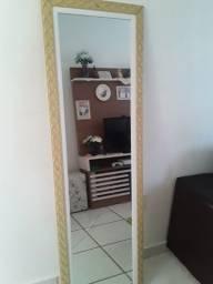 Espelho grande trincado