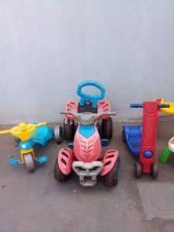 Brinquedos  vendos so o pacote