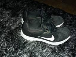 Tênis da Nike número 38