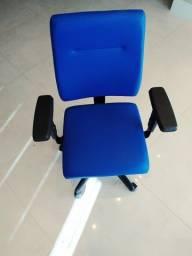 Cadeira Escritório Plaxmetal - NOVA