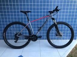 Bicicleta Specialized Rockhopper 29 + Capacete Specialized