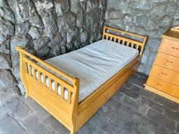 Cama com cama auxiliar em pau marfim