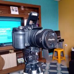 Câmera semi profissional | FinePix S9500