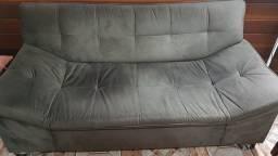 Sofá confortável com pouco uso