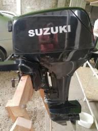 Motor 15 H P Suzuki 2013mais é como se fosse um 2019 devido a sua conservação