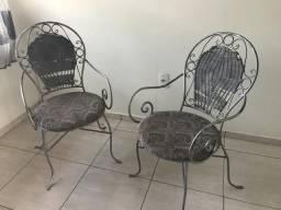 2 cadeiras de ferro- Foz do Iguaçu