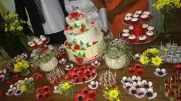 Bolo Decorativo em Bicuit