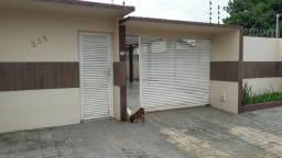Vende-se ou troca-se casa de excelente qualidade