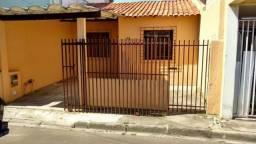 Vende-se casa em condomínio no Sitio cercado