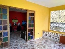 Casa com 350m² próximo à Caxangá com 5 Quartos