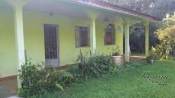 Linda Chácara localizada no Rio Sagrado - em frente para o asfalto