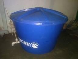 Caixa d'água tigre 1000 litros com bóia.