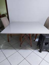 Vendo esta mesa...