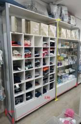 Mobiliário e expositores para loja infantil