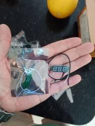 Mini voltimetro