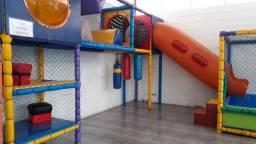 Brinquedão com escorregador e piscina de bolinha para buffet/restaurante/lanchonete