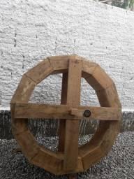 Vendo roda d'água