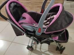 Carrinho de bebê c/ bebê conforto cosco