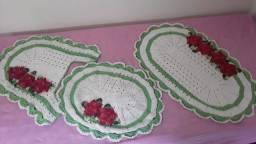 Conjunto de banheiro em crochê. Três  peças preço especial  de 70 reais.