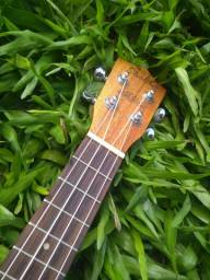 (Vendo ou troco por violão) Ukulele Shelby - Soprano