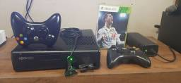 Xbox 360 slim +2controles+jogos