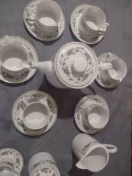 Jogo de chá e café de porcelana Real