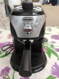 Máquina de café expresso manual  Delonghi