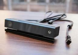 X box One, com Dois controles, Kinect e HD externo de 1 tera todos em ótimo estado.