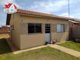Vende casa por R$ 180.000 - Residencial Paratodos - Botucatu/SP
