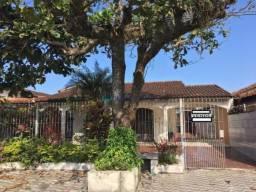 Casa 3 dormitórios e 4 vagas na Vila Caiçara!