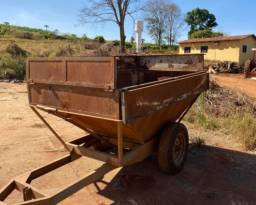 Carreta agrícola funil