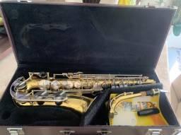 Saxofone Yamada 23