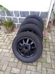 Rodas Bmw Aro 15 com pneus fim de vida