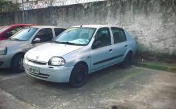 Clio sedan 2001 prata 16V. 1.O 4P