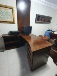 Mesa escritório em rádica natural. 1,67x070 e 074 de altura.
