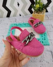Mule infantil rosa pink disponível nos tamanhos 22/23/24