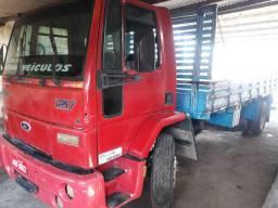 Caminhão Ford 1217