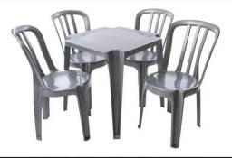Locação de mesas e cadeiras para festas.