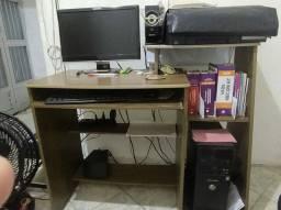 Escrivaninha/Mesa de computador