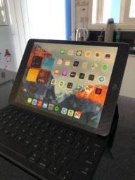 iPad 7 geração + smart keyborad