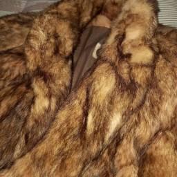 Lindo casaco de pele