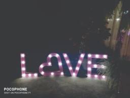 "Letreiro Decorativo para Casamentos ""LOVE"""