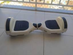 Hoverboard Skate Elétrico 6.5'' Branco com LED e Bluetooth